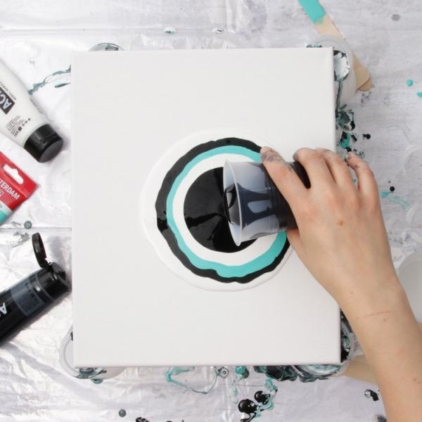 peinture acrylique pouring technique sans mélange de couleurs