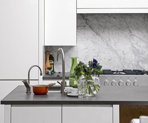 plaque crédence cuisine trois types de granit