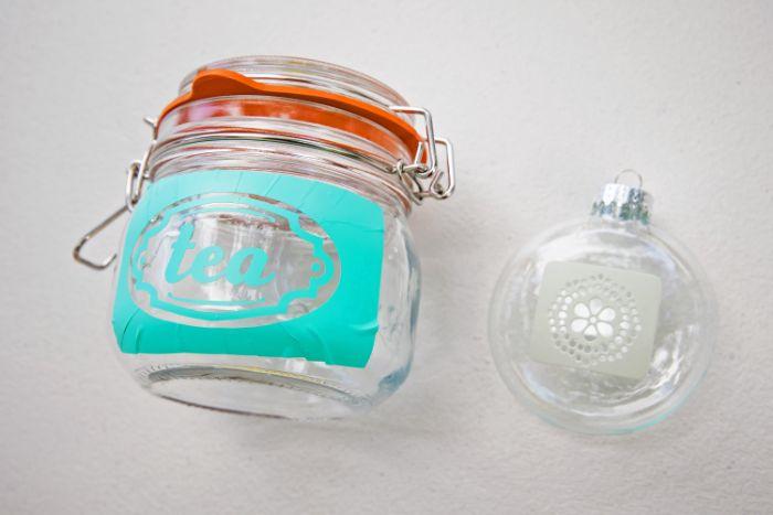 pochoirs autocollannts gravure chimique sur verre