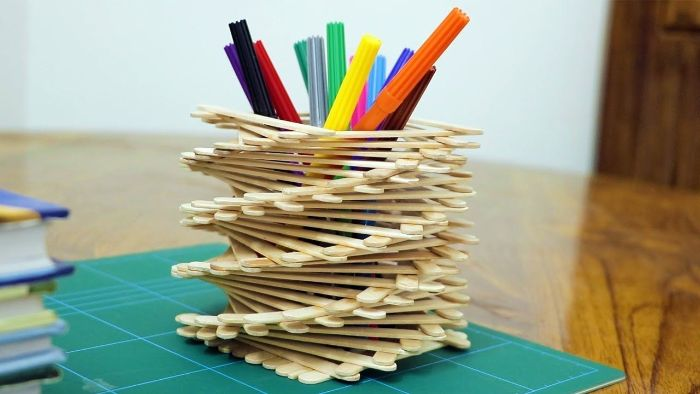 pot à crayon diy bâton de glace en bois