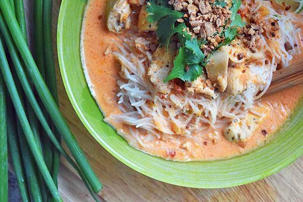 poulet au curry épicé de citronnelle
