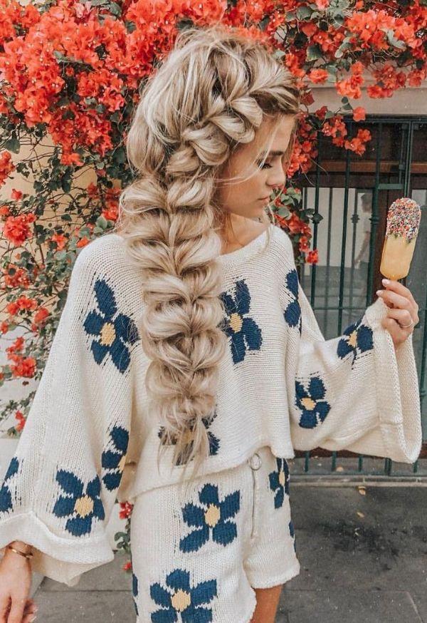 pull through braid queue de cheval tressée coiffure bohème