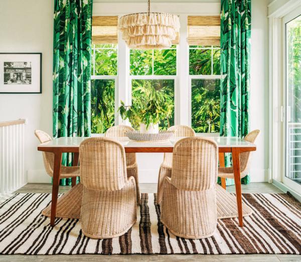 salle à manger rideaux aux motifs feuille de bananier