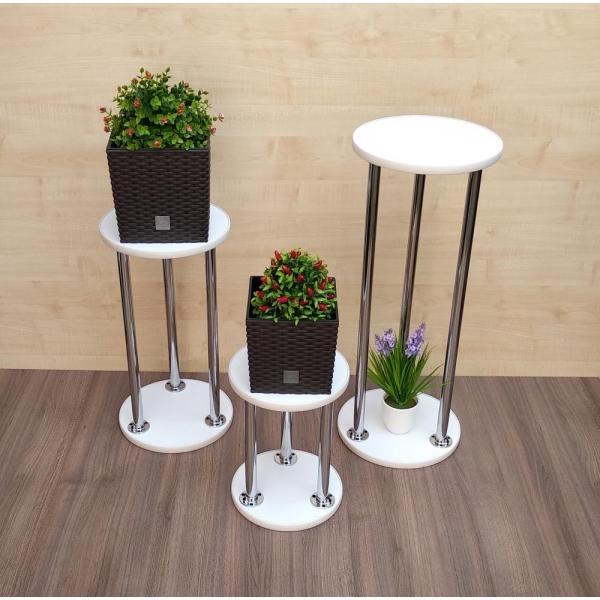 stand de fleurs à l'intérieur comme des tables
