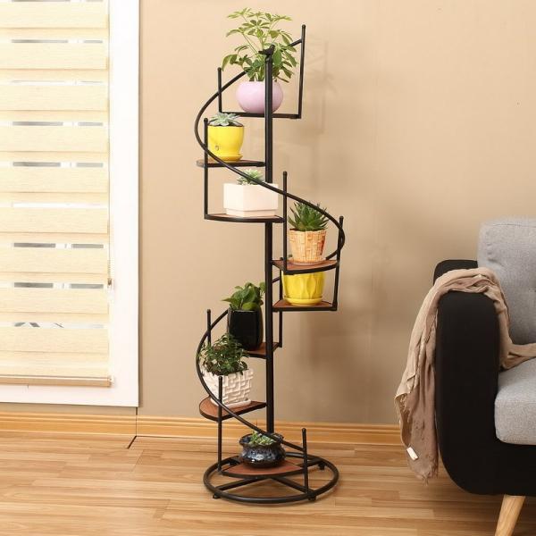 stand de fleurs à l'intérieur idée escalier