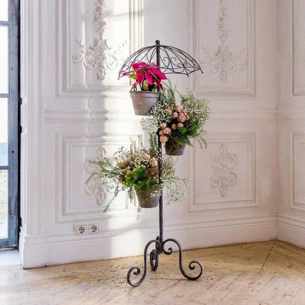 stand de fleurs à l'intérieur vintage romantique
