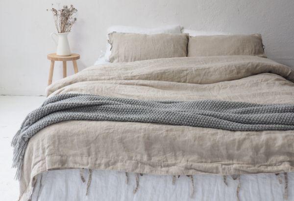 aménagement chambre avec linge de lit en lin lavé