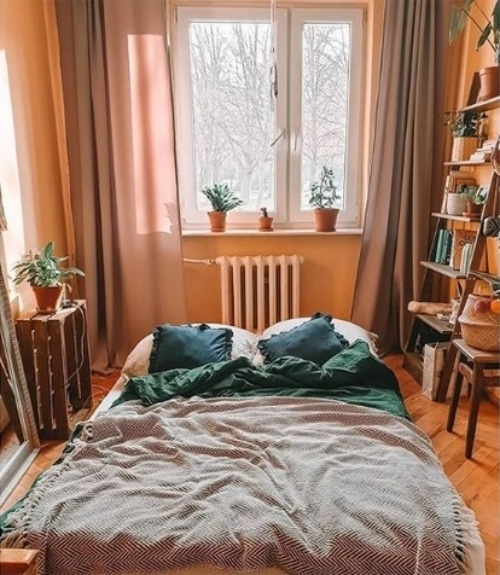 ameublement maison lit au milieu