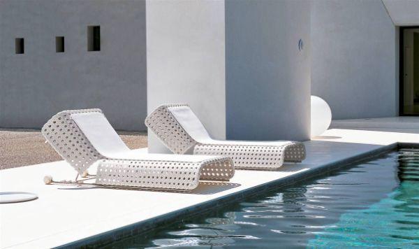 chaise longue moderne en aluminium blanc transat jardin