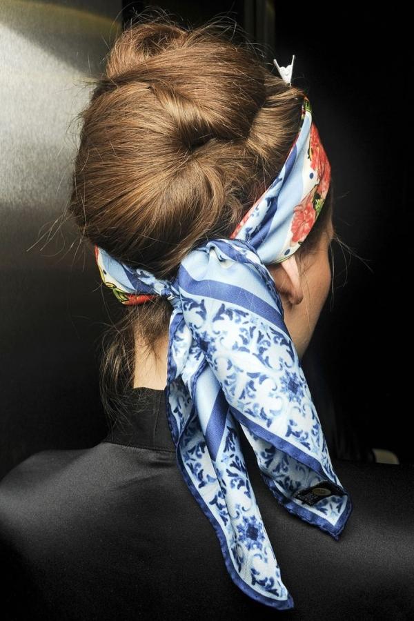 coiffure avec foulard chignon simple