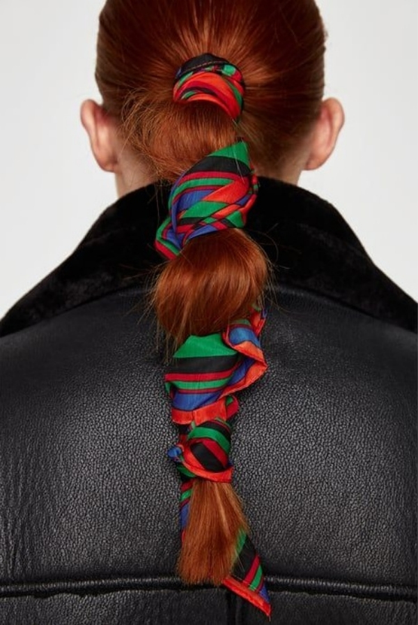coiffure avec foulard queue de cheval