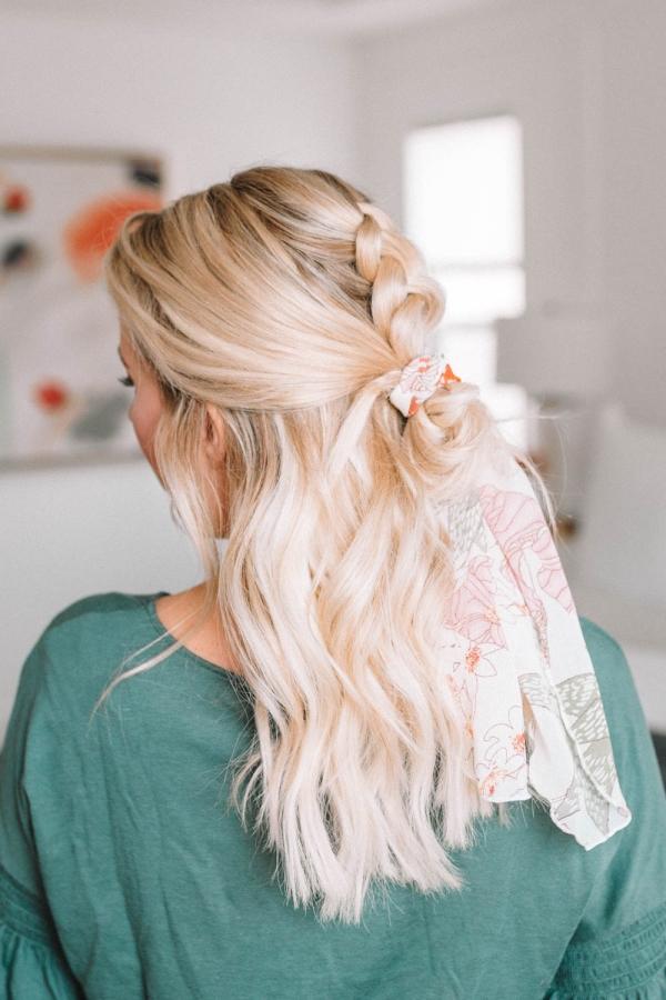 coiffure avec foulard tresse française centrale