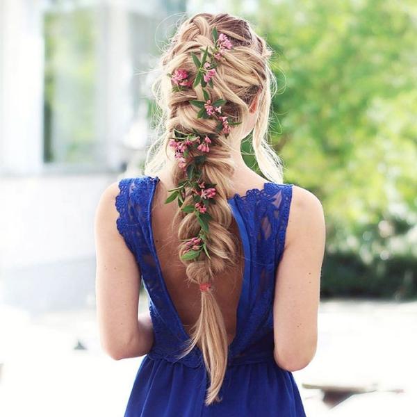 coiffure avec tresse une robe en dentelle