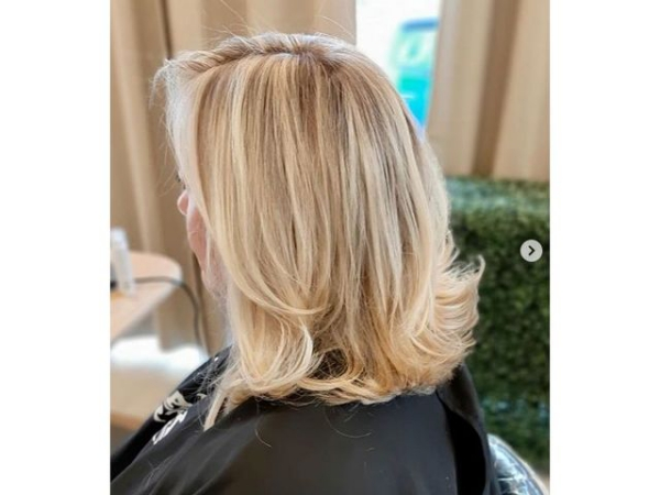 coiffure femme blonde souches caramel