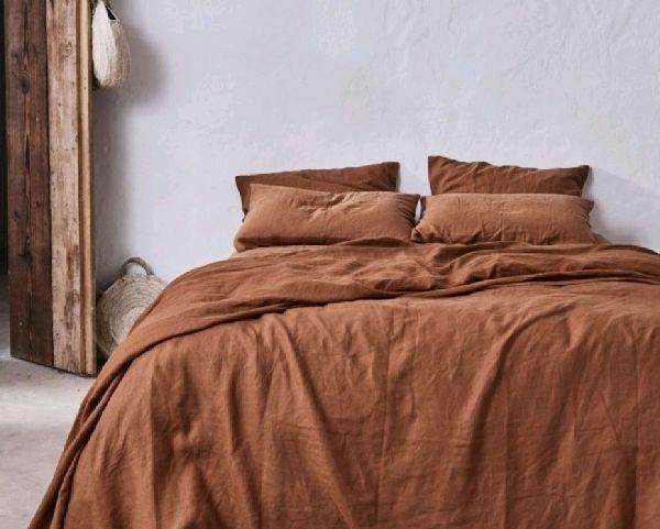 couleur terracotta idée de linge de lit en lin lavé tendance pour la chambre