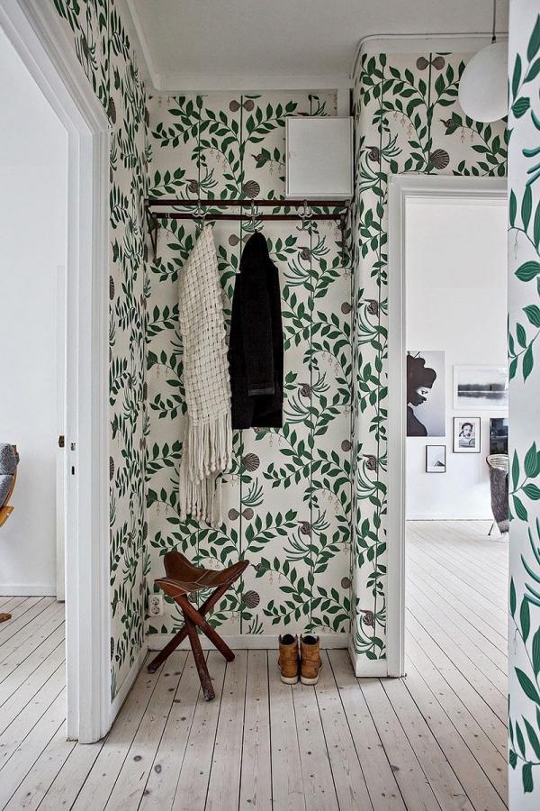 décoration d'entrée de maison une niche en papier peint