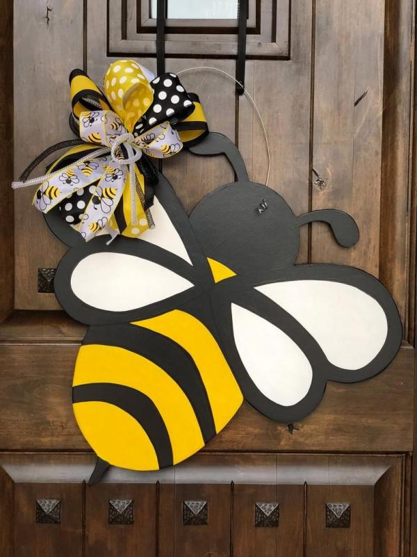 diy couronne de porte abeille pour l'été