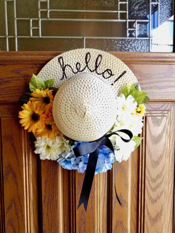 diy couronne de porte chapeau de paille pour l'été