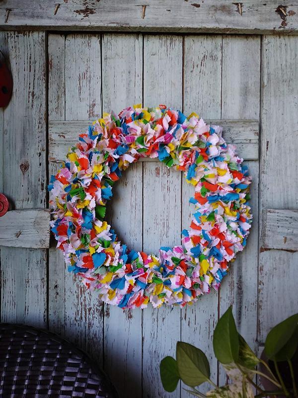 diy couronne de porte en papier coloré pour l'été