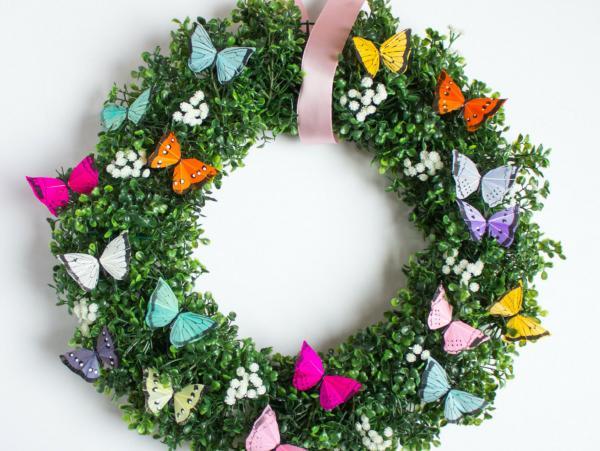 diy couronne de porte papillons pour l'été
