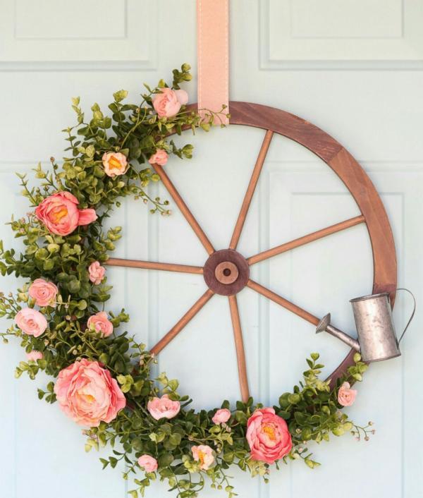 diy couronne de porte roue de chariot pour l'été