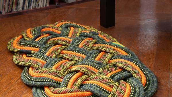 diy tapis en corde colorée tressée