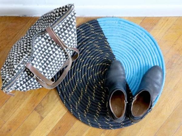 diy tapis en corde devant la porte d'entrée