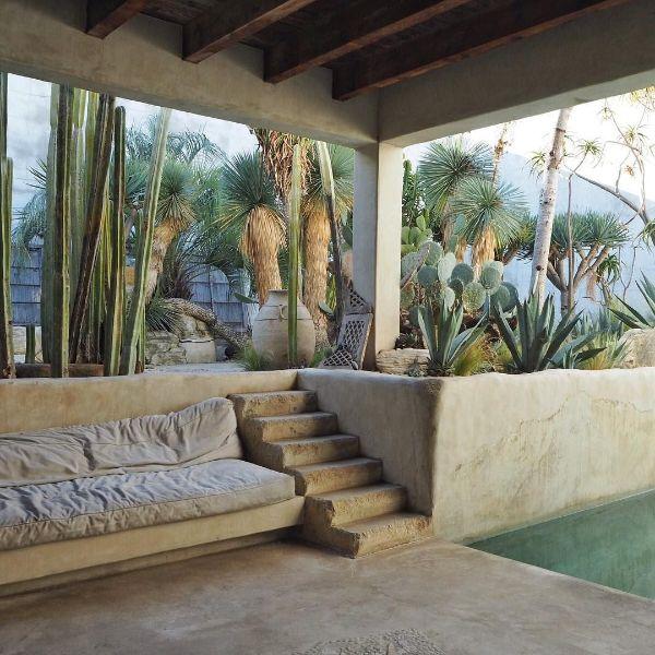 espace piscine idée déco méditerranéenne