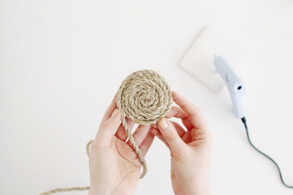 fabriquer un tapis en corde étape 3