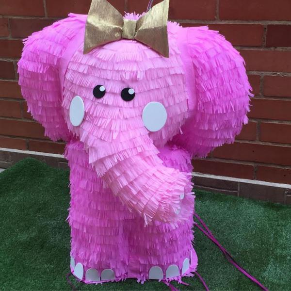 fabriquer une piñata éléphant rose