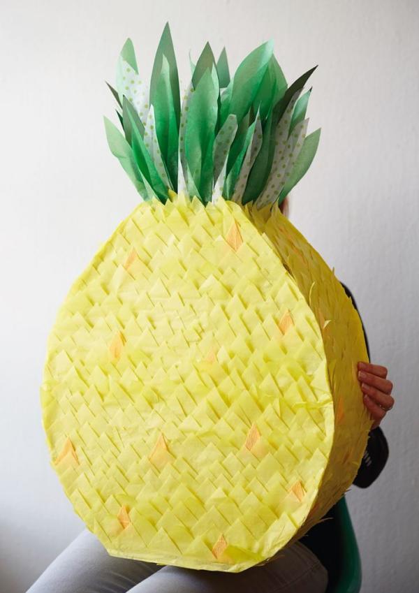 fabriquer une piñata ananas