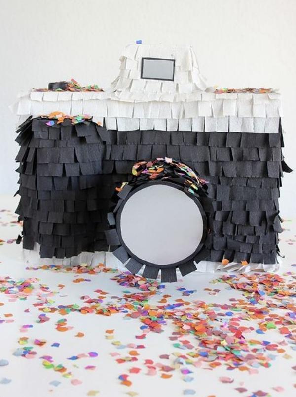 fabriquer une piñata appareil photo