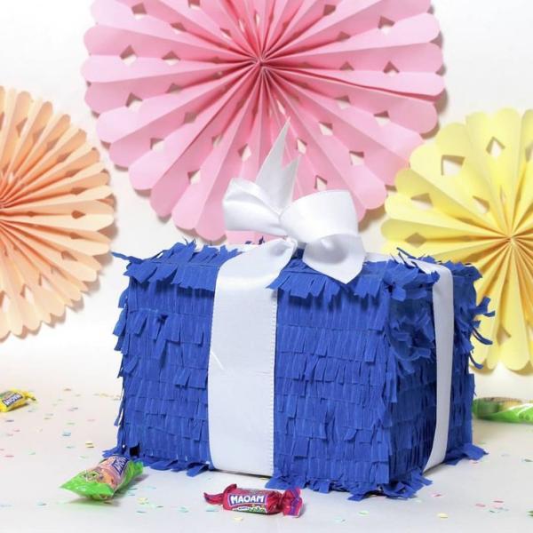 fabriquer une piñata boîte de cadeau
