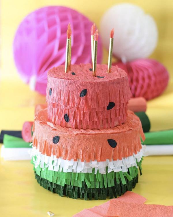 fabriquer une piñata gâteau