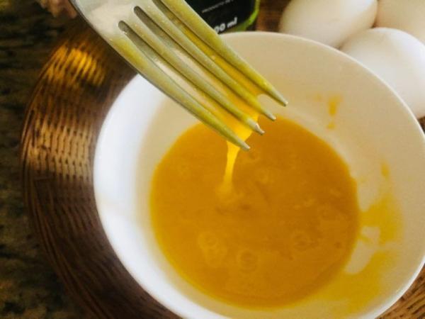 masque au jaune d'oeuf pour le visage du miel obligatoire