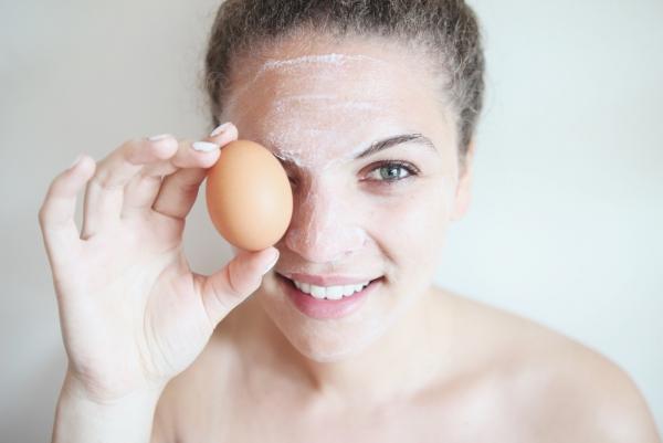 masque au jaune d'oeuf pour le visage un effet hydratant et nourrissant