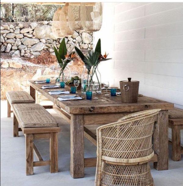 mobilier en bois brut déco méditerranéenne