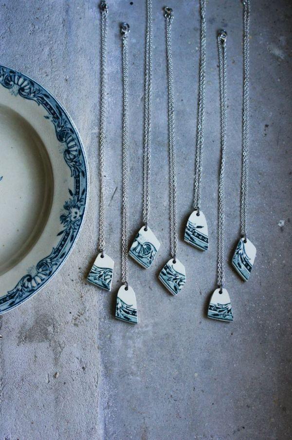 morceaux d'assiette brusée diy collier femme recycler vaisselle ancienne
