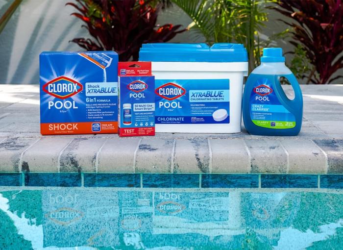 nettoyage fond de piscine produits chimiques