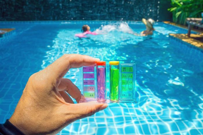 nettoyage fond de piscine testeur de mesuration
