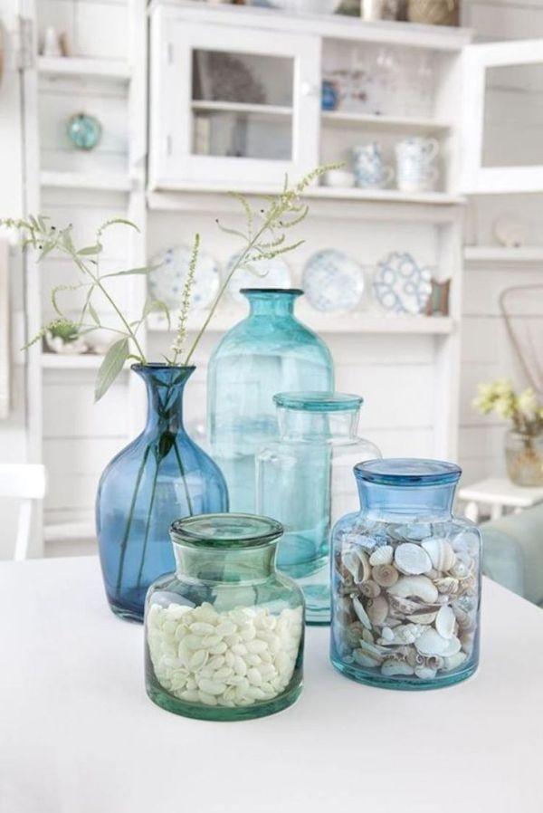 objets déco en verre transparent bleu déco méditerranéenne