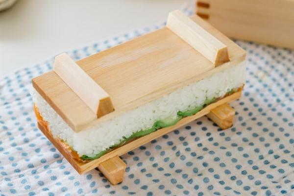 oshizushi boîte oshibako