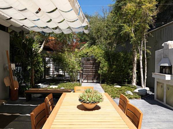patio couvert des stores coulissantes