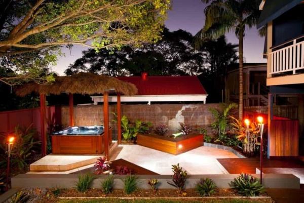 patio couvert structure de terrasse au toit de chaume