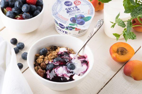petit-déjeuner skyr yaourt