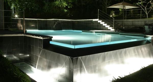 piscine à débordement coque de piscine en fibre de verre