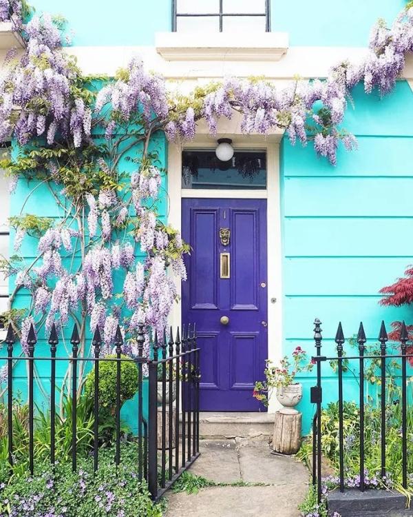 porte d'entrée pleine en bois couleur encre