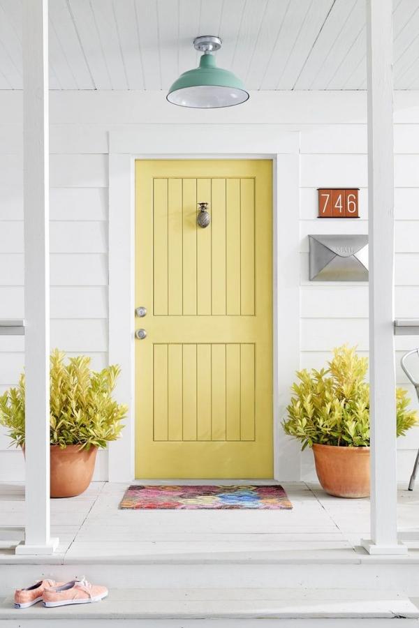 porte d'entrée pleine serrure automatique couleur jaune clair