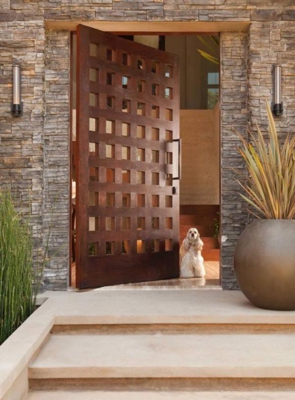 porte d'entrée semi-vitrée en bois solide