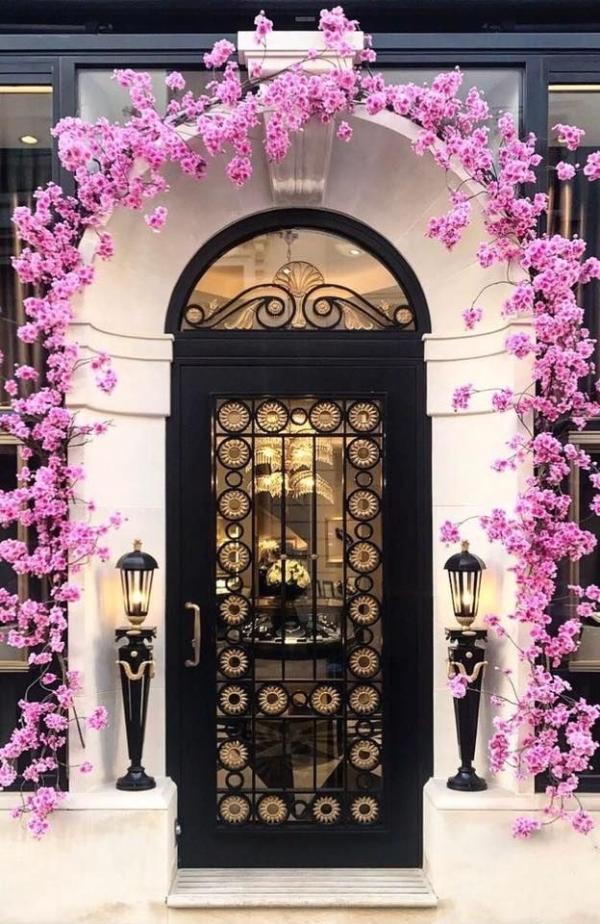 porte d'entrée vitrée en aluminium couleur noire